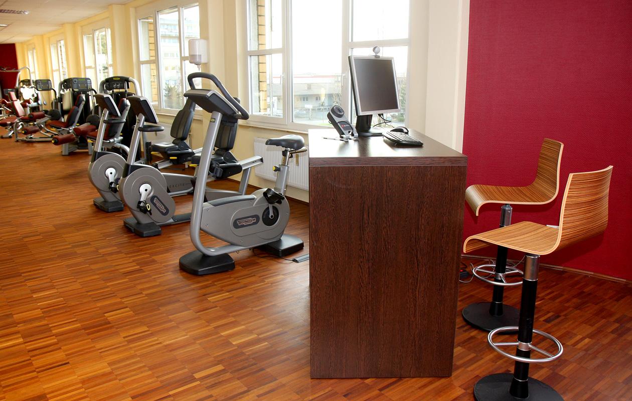 ber uns movemus physiotherapie krankengymnastik und rehasport in k ln porz. Black Bedroom Furniture Sets. Home Design Ideas